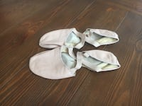Ballet shoes size 8  Hanover, 21076