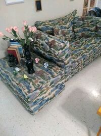 Hide a bed love seat Topeka, 66604