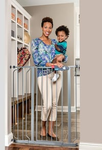 New!!  Regalo Deluxe Easy Step Extra Tall Gate, Platinum St Thomas, N5R 6M6