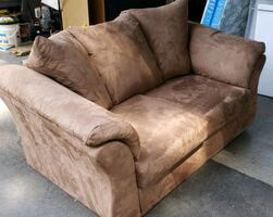 Very soft and comfy love seat
