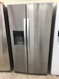 New open box counter depth whirlpool stainless steel side-by-side refrigerator five months warranty Baltimore, 21222
