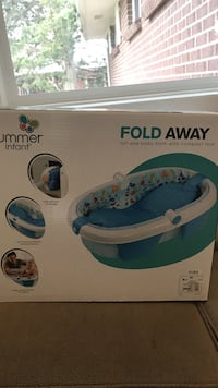 green and blue Summer infant baby bath with compact fold box Centennial, 80121