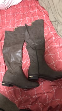 Knee high boots Cayce, 29033