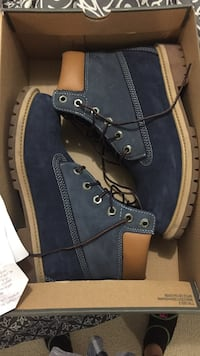 pair of blue-and-beige Timberland suede work boots in box Toronto, M9B 0B1
