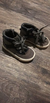 Old navy kids shoes size 6 Ceres, 95307