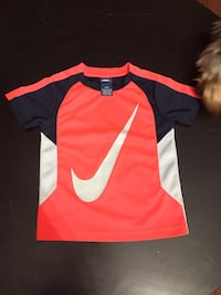 Like new top never used boys size 4 Hagerstown, 21740