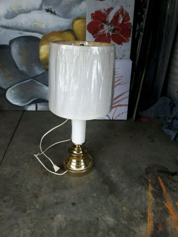 Table Lamp Desk Lamp with Shade and Bulb b63ecdb3-4c70-4f7f-8545-6d7774a64257