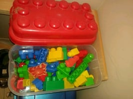 large Lego container 75 pieces