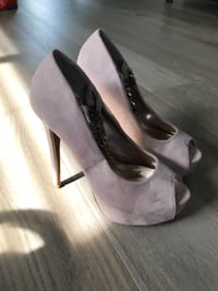 High heels size 6 from bebe Thorold
