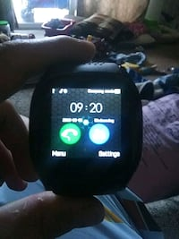 Smart watch u hook up to your phone u pick up