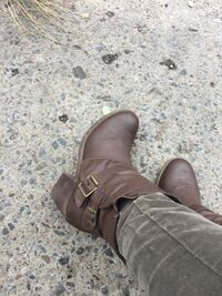 pair of brown leather boots Montréal, H3W 1W9