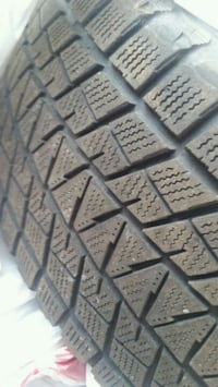 NEW CONDITION BRIDGESTONE BLIZZAK WINTER TIRES 523 km