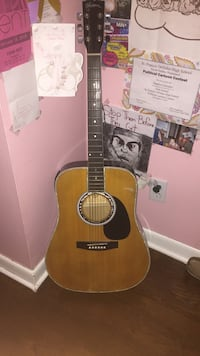 Brown and black acoustic- electric guitar Columbus, 43224