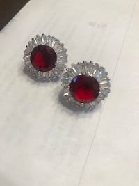 Earrings ruby with baguette stones new