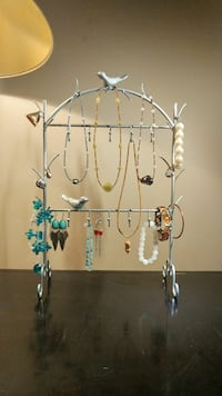 Jewelry stand.mint shape