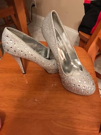 Pair of gray glittered platform stilettos 964 mi