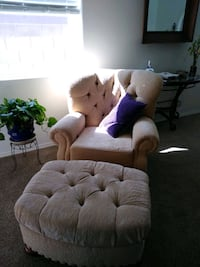 Lazy Boy brand recliner very clean excellent condition Albuquerque, 87113