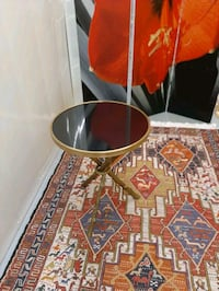 Round side table, glass, gold