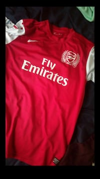 red and white Nike Arsenal Fly Emirates jersey shi