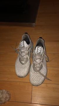pair of gray Adidas Yeezy Boost 350 Kitchener, N2E 3V8