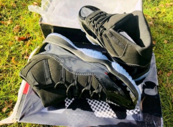 the latest 37a61 233bf Jordan 11 cap and gown