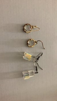 pair of silver and gold earrings Ashburn, 20148