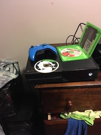 Xbox one with 2 games and blue controller Haysville, 67060