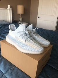 Deadstock Size 11 YEEZY BOOST 350 V2 Cloud White non reflective Arrington, 37014