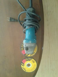 """Mikita 4 1/2"""" angle grinder with 2 cut off disc Calgary, T2A 4V5"""