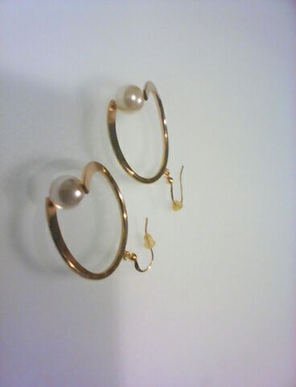 Gold Loops Earrings With Pearl