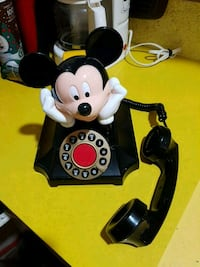 Mickey Mouse phone exellent condition  Victoria, V8W 1S1