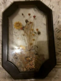 flower glass etch and brown frame Redding, 96001