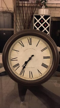 """18"""" Round Classic Vintage Wall Clock**Reserved PPU** Richmond, V7A 1H2"""