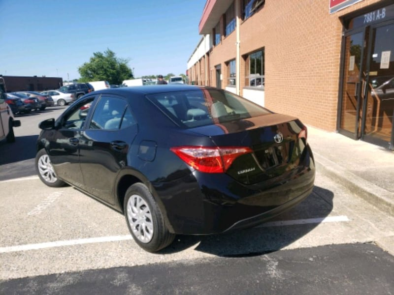 2017 - Toyota - Corolla clean title and carfax  45df0504-0e50-4498-9f37-63d6a9897b07