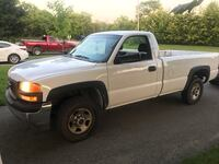 2001 GMC Sierra, 2WD, V8 engine, working perfect! 574 km