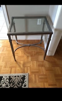 End table  Vaughan, L6A 2H1