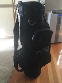 Black macgregor golf bag. no rips or tears, just dusty. 3490 km