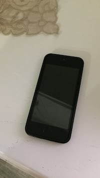 iPhone 5 nero con custodia Portici, 80055