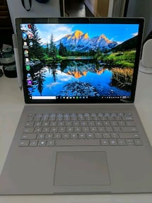 Microsoft Surface Book 2 13.5 8th gen quad core i5