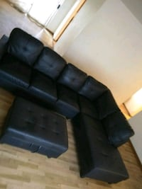 black leather 3-seat sofa Seattle, 98133