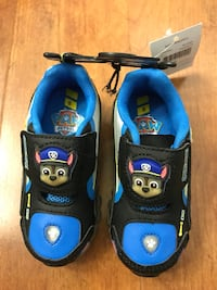 Brand new Boys' Toddler Paw Patrol light up shoes Size: 8