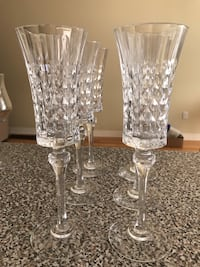 Various glasses and stemware $2 for each glass Mississauga, L5M 0H9