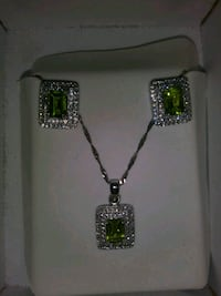 Necklace and Earring Set  Stockton, 95209