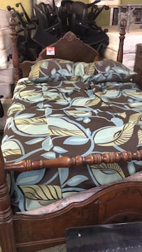 brown and white floral bed sheet Loris, 29569