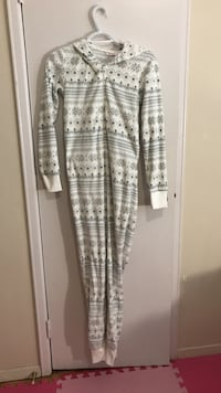 gray and white adult footies 1306 km
