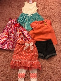 Girl's assorted clothes size 18-24 months  Brossard