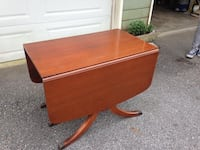 Drop Leaf Table with 3 Leaves Hampstead, 28443