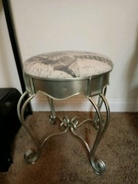 round brown wooden side table Las Vegas, 89117