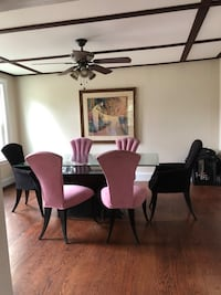 Beautiful glass top dining room table 6 chairs Belford, 07718