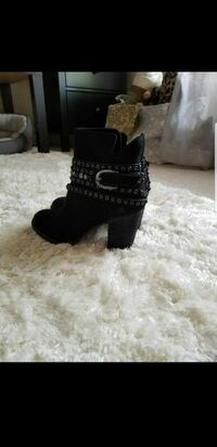 Black Ankle boots 7.5 Downers Grove